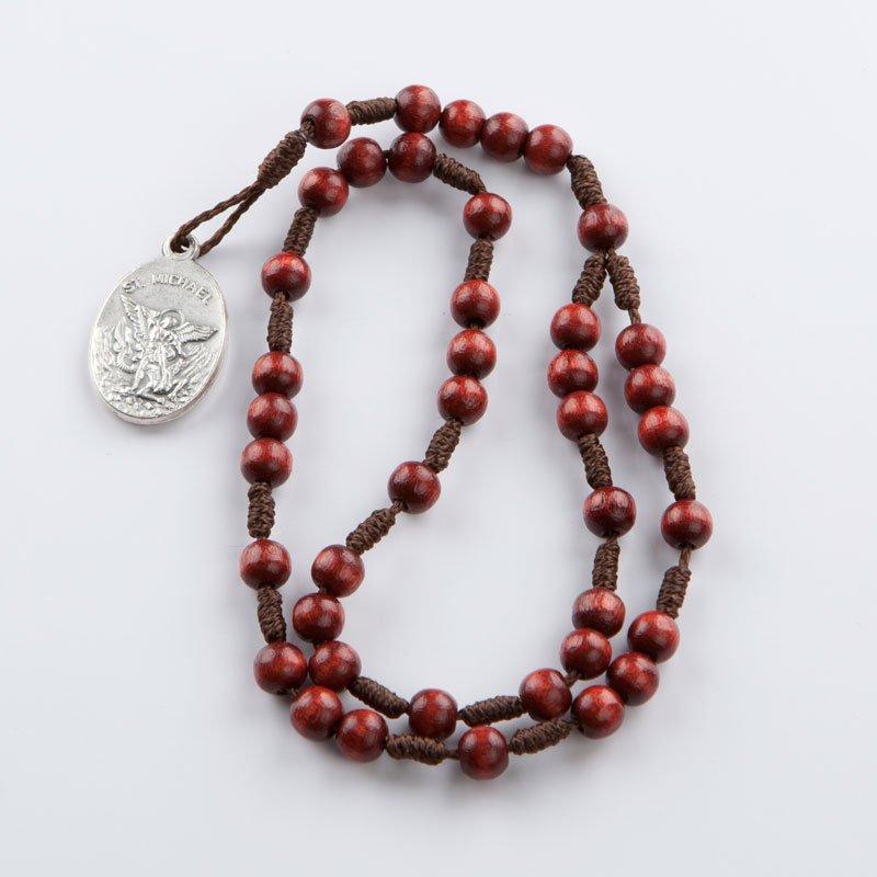 chapelet de saint-michel avec petits grains de bois