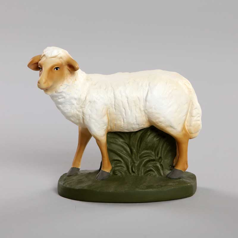mouton debout crèche
