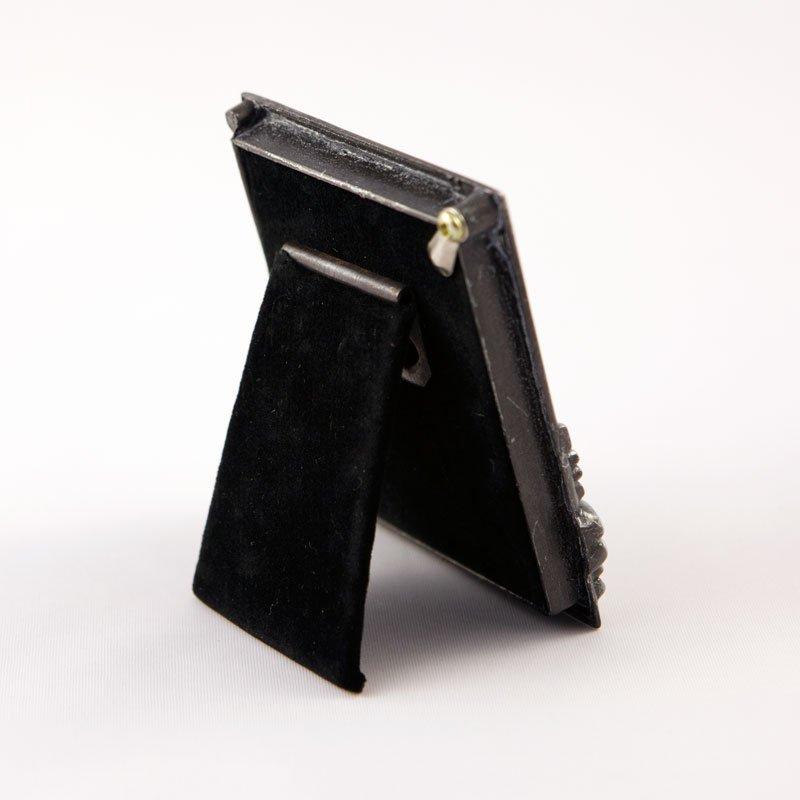 cadre en métal marie-paule-derrière