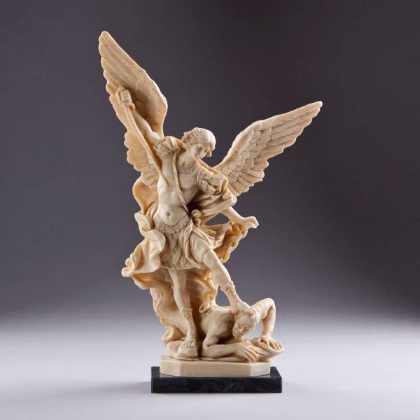 statue saint michel archange